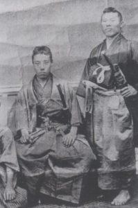 高杉晋作(左)と伊藤博文(右)