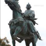 徳川吉宗像(和歌山県庁前)