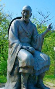 良寛和尚の銅像(新潟県)