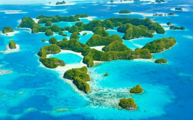 パラオ諸島の「ロックアイランド」
